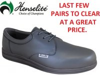 Henselite Victory Lawn Bowls Shoes. SIZE 10.5 only